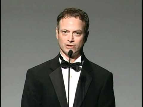 Gary Sinise Makes A Moving Tribute