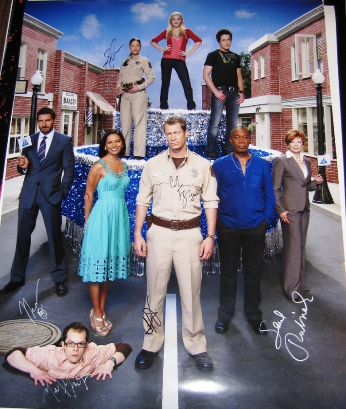 Eureka Signed 24X32 Photo