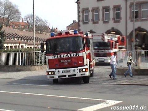 Löschzug BF Nürnberg FW 1 mit ELW Inspektionsdienst