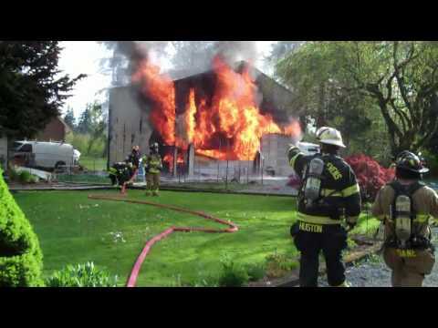 Incendio de Garage y explosion en Snohomish County U.S.A .