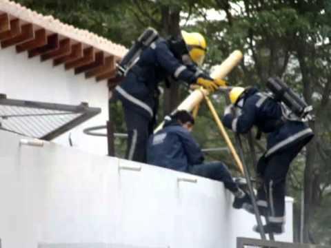 Entrenamos para salvar vidas - Bomberos de Asunción