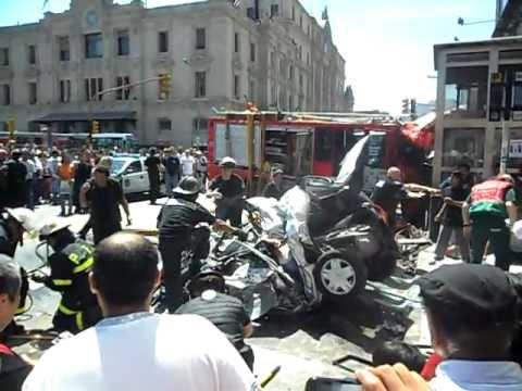 Accidente Autobomba en Once / Parte 2 / Imagenes que pueden afectar la sensibilidad de las personas, se recomienda discreción