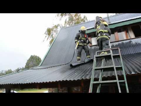 Principio de incendio en una cabaña en Lolog a 12 kilómetros de San Martín de los Andes / Neuquen en Argentina