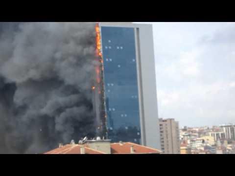 17 de Julio de 2012 / Incendio en torre de 42 pisos en Turquía