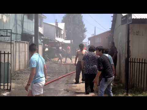 INCENDIO ESTRUCTURAL DE DOS VIVIENDAS EN LA POBLACIÓN PABLO NERUDA / VALDIVIA EN CHILE