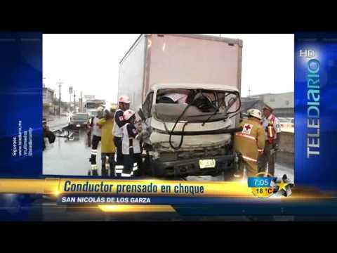 RESCATE VEHICULAR EN SAN NICOLAS DE LOS GARZA, BOMBEROS DE LA CRUZ ROJA MEXICANA / MONTERREY, MÉXICO