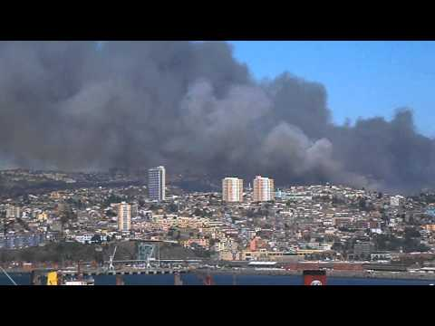 CHILE Incendio Gigantesco en San Roque y Rodelillo Valparaíso. 14-2-13