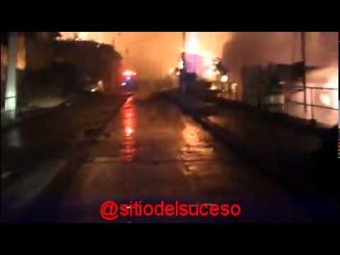 DRAMÁTICA LUCHA DIO BOMBEROS DE QUILPUÉ TRAS QUEDAR ATRAPADOS EN INCENDIO - VALPARAISO, CHILE  / Vídeo Destacado de La Hermandad de Bomberos