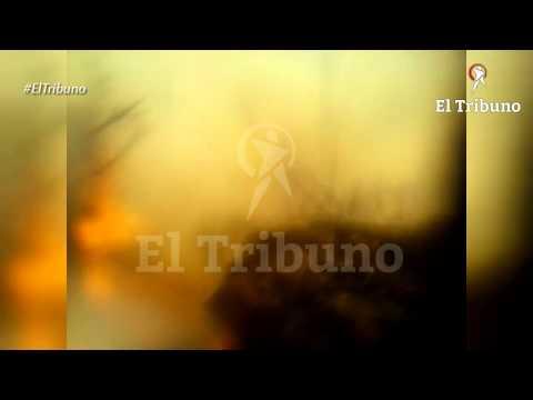 BRIGADISTAS FORESTALES FILMAN SU PROPIA MUERTE EN INCENDIO DE GUACHIPAS - SALTA EN ARGENTINA / Víde…