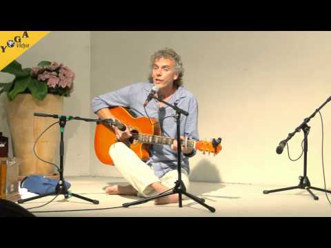 Mantrasingen: Rama Bolo mit Harry