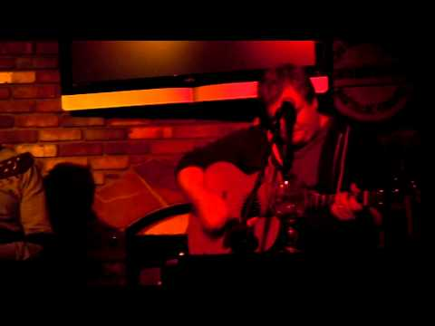 "Jesse Harris covers the Waterboys ""Fisherman's Blues"" @ Melody In The Round Echo Park CA 1-26-11"