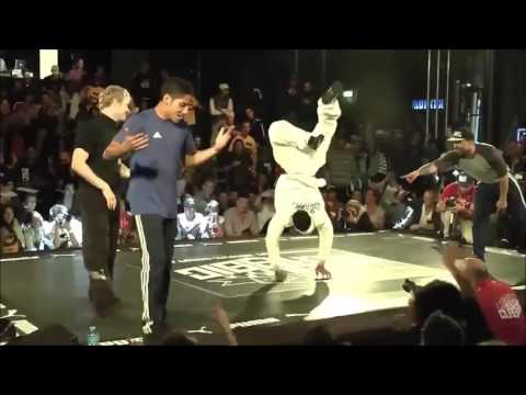 Amazing : This guy just defied gravity Breakdancing !!