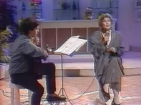 Dimitriadi & Grigoreas play Hadjidakis - MIRIZEI O KOSMOS GIASEMI
