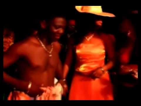 AZONTO DANCE - AGYA KOO DANCING (U GO KILL ME BY SARKODIE)