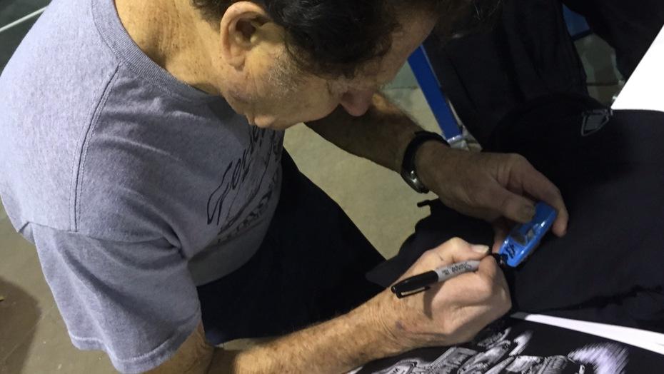 #22-34, Customizer, Gene Winfield, Signing, Man Fr