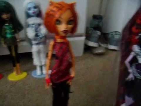 Sorting My Monster High Dolls