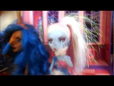 The Scream House Show Episode 1: One strange morning...