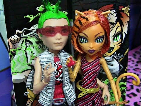 MONSTER HIGH DEUCE GHOULS ALIVE GORGON TORALEI STRIPE DOLL REVIEW VIDEO!!!