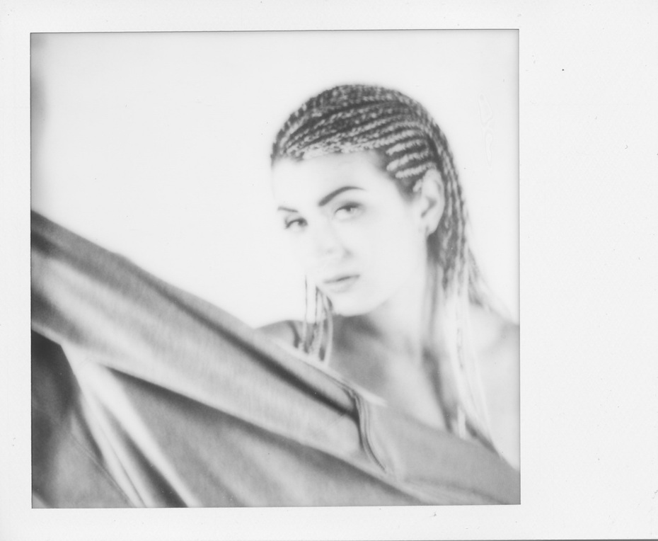 B&W-Dasirya portrait