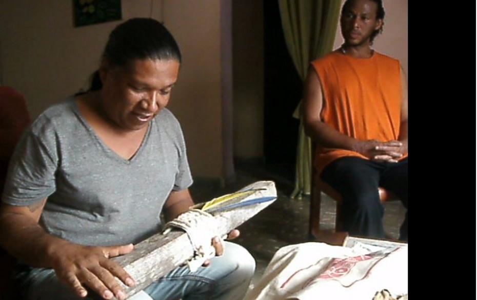 Kaweiro blesses Cuba PDJ staff woodn2016
