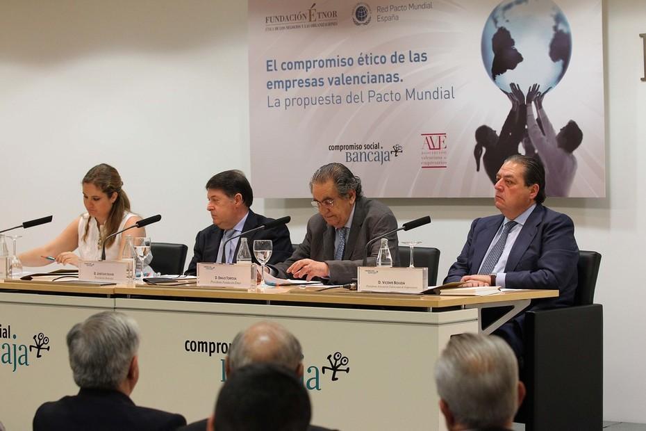 Inauguración de la Jornada del PActo Mundial (Drtra. Pacto Mundial y Presidentes de Bancaja, ÉTNOR y AVE)