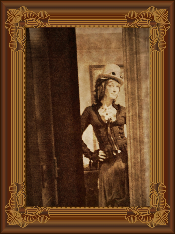 Lady T'luluh Poulpé: Framed Sepia Tin Type