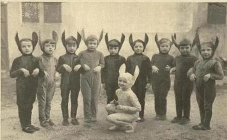 Vintage_Halloween_Costumes 06