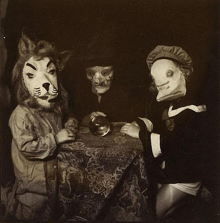 Vintage_Halloween_Costumes 2