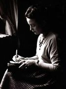 To exist is to dare to throw oneself into the world • © Gisèle Freund, Simone de Beauvoir, 1948