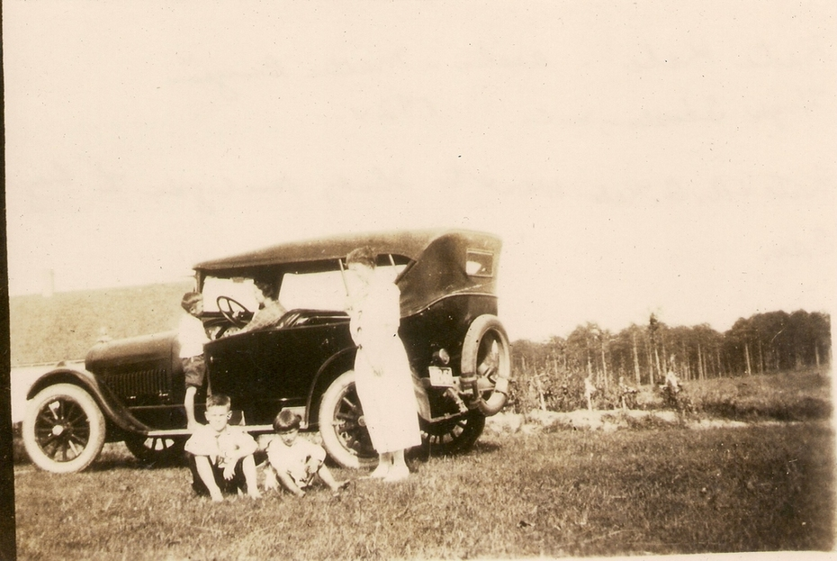 Kale family car - 1924