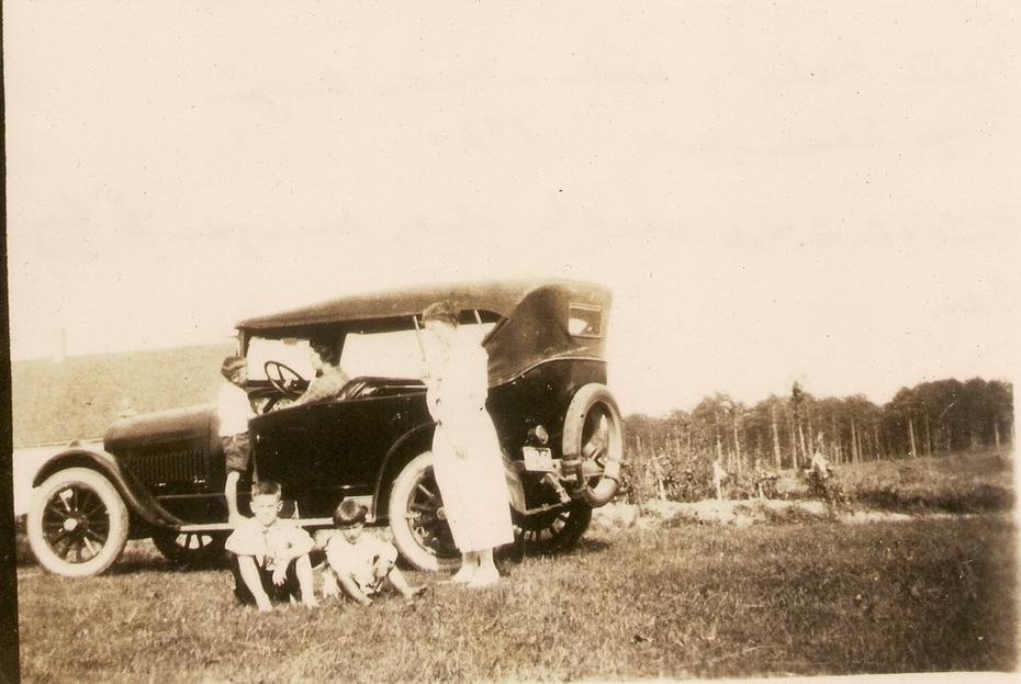 Kale family car - 1924