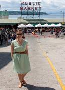 sleeveless in seattle touristy