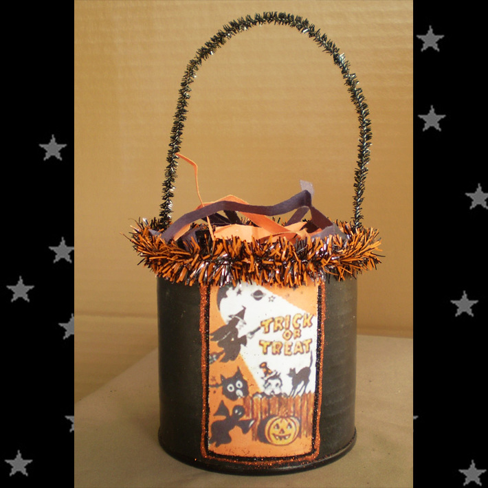 Retro-Trick-or-Treat bucket
