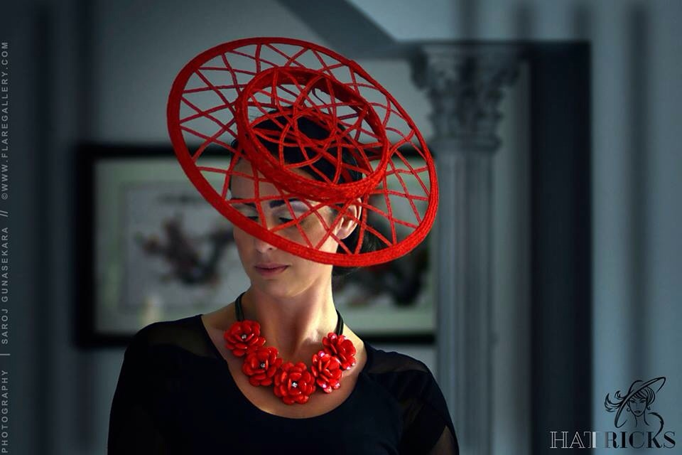 Red spirograph boater