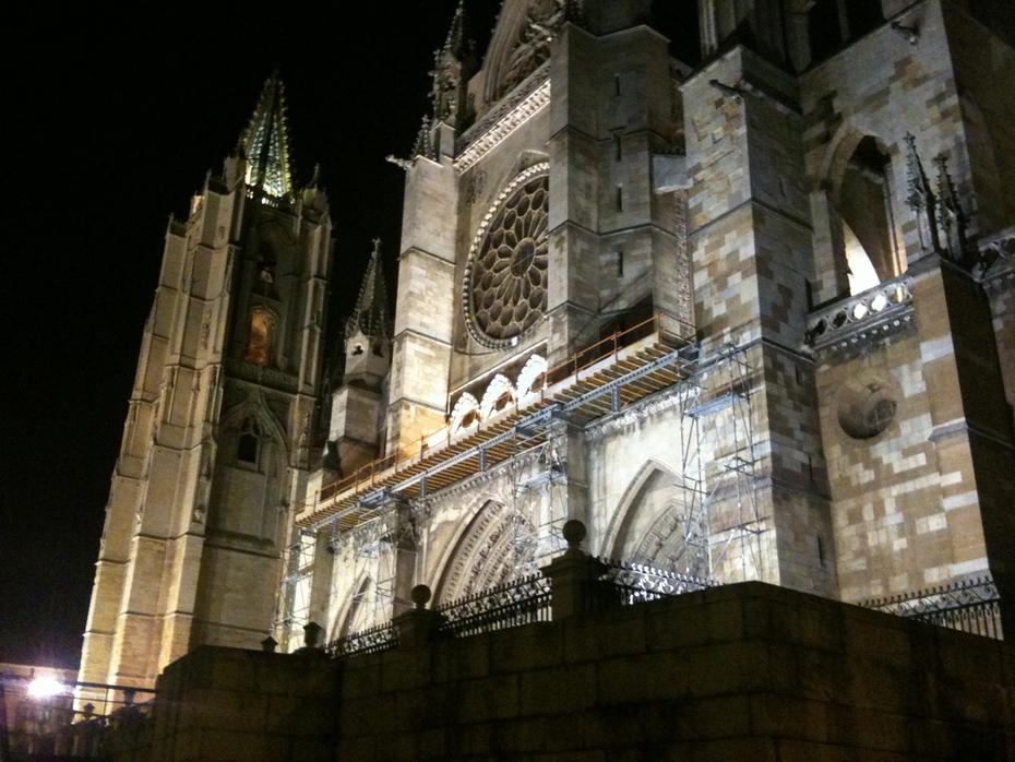 Catedral de León Vista Nocturna
