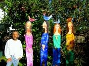 jose & 4 women, 7 feet tall.