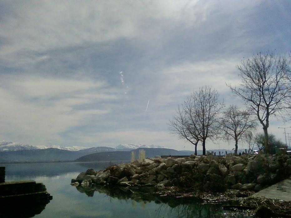 Εκδρομή στη λίμνη