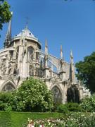 Notre Dame de Paris et son jardin