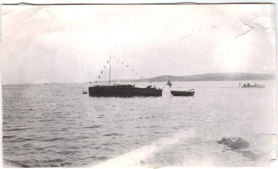 1938 Valkyrian i bakgrund röda båten