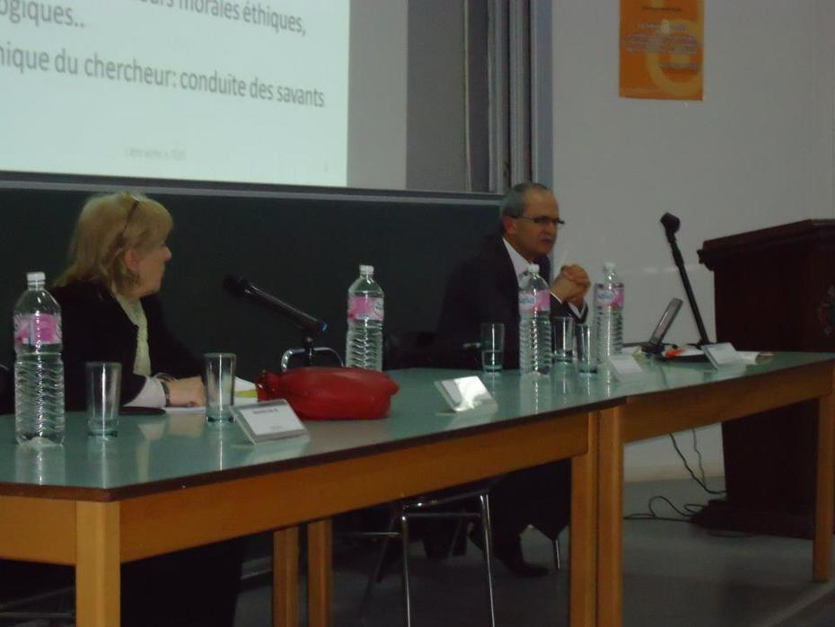 Mr. Wahid Gdoura : Attitudes et pratiques des universitaires arabes