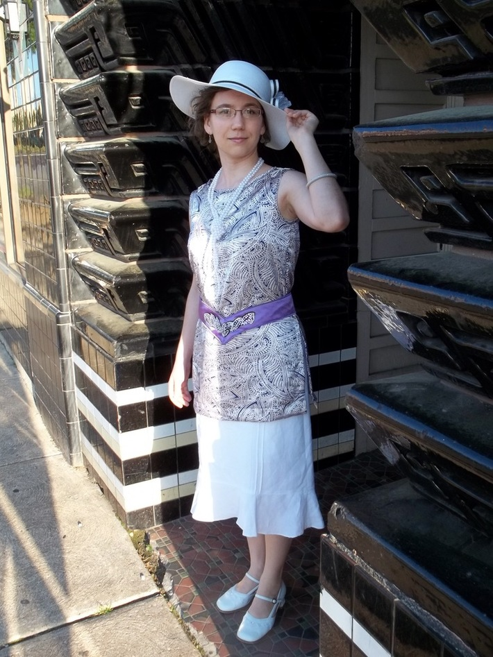 Early 20'sSatin Tunic and Belt