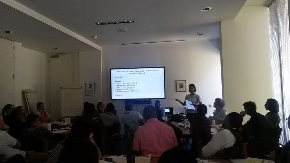 Mira Schneiders presenting
