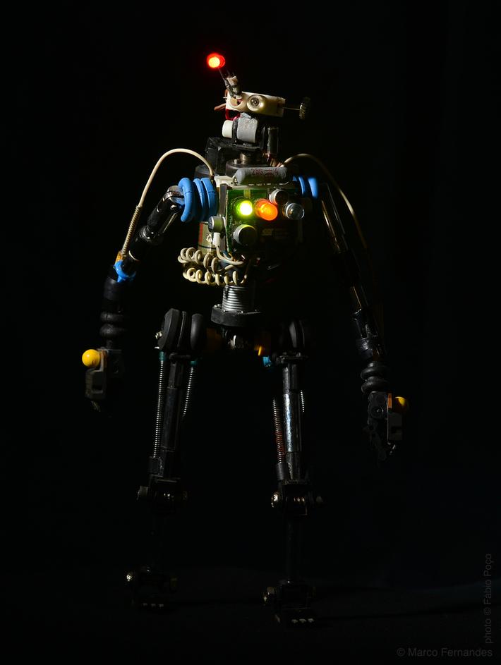#R³bot nine OEZIOOG-D