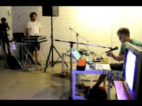 ADAM TRAINER - Experimental Sound Performance