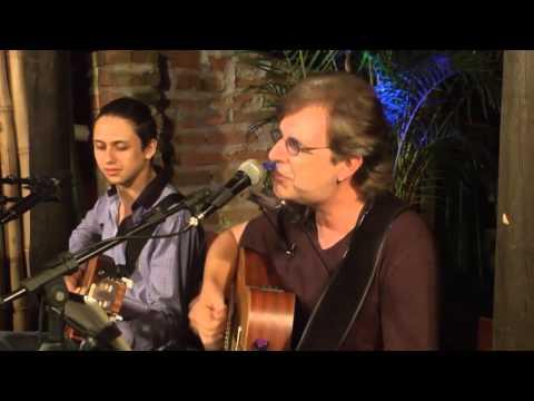 Celso Galvão e João Bosco Tavares cantando Couver de Paciência - Lenine