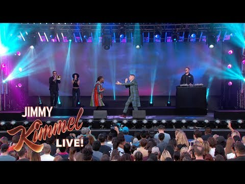 """Macklemore ft. Offset Performs """"Willy Wonka"""" On Jimmy Kimmel Live"""