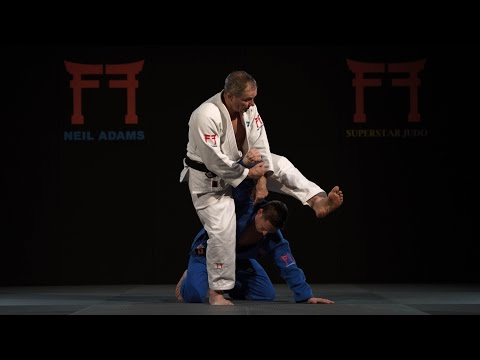 Neil Adams analyses Burton's spinning Juji gatame entry
