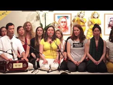 Namastasyai Namo Namah - Sundaram and Katyayani with group