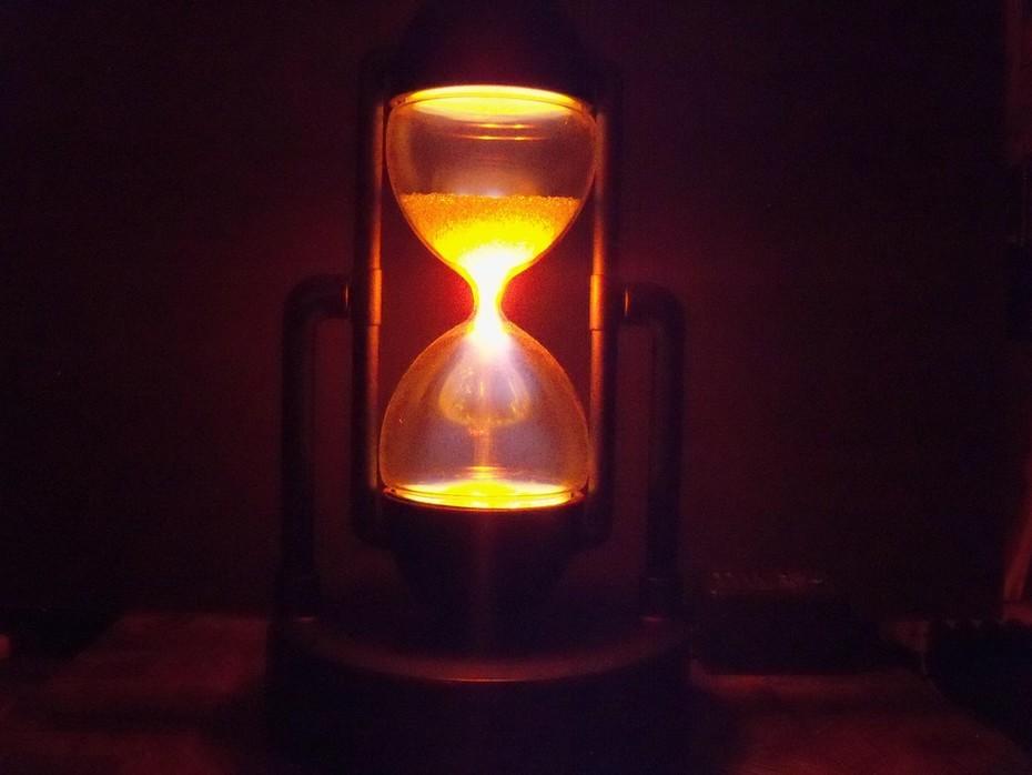 Star Showers Plasma Hourglass