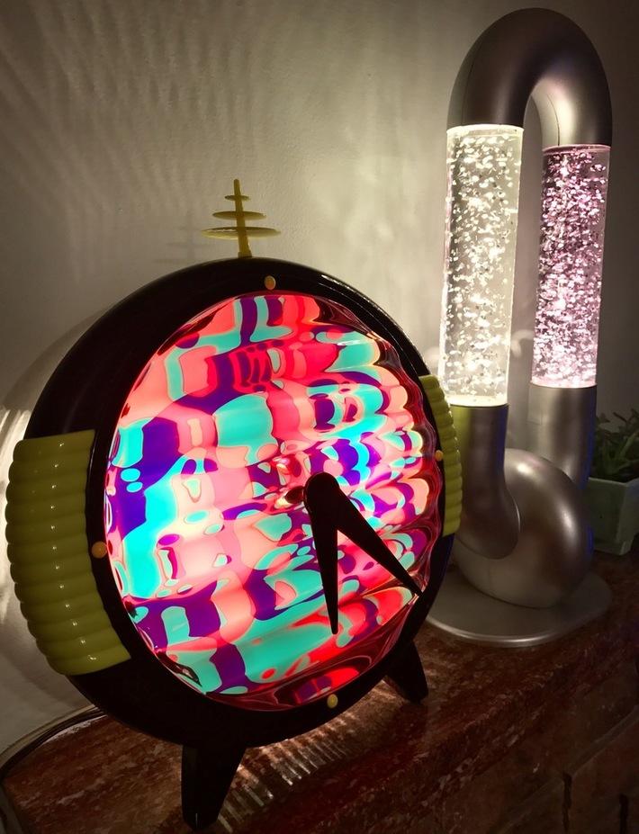 Time machine clock and link'd glitter